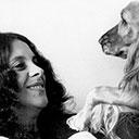 Com a cadela Joplin, em 1970